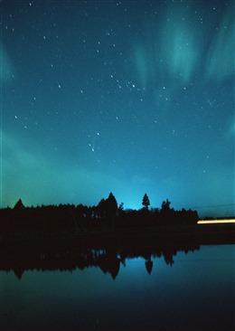 北极光星空背景图