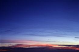蓝色天空晚霞