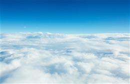 蓝天白云背景图高清