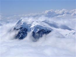 冬日雪山图片