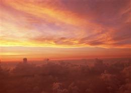 夕阳的天空梦幻风景图