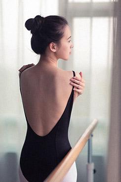 艺术照芭蕾美女个人写真